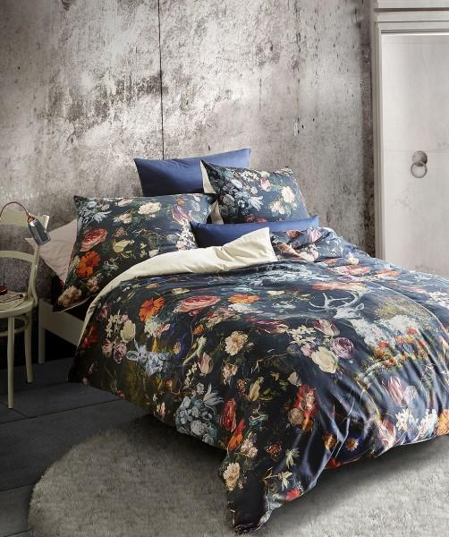 Design Wenbebettwäsche mit Hirsch und Hase von fleuresse bed art auf Schwarz in 240x220