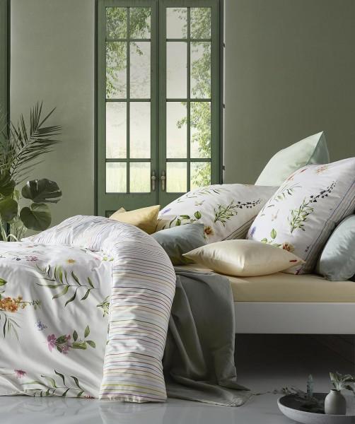 Moderne Blumen Bettwäsche mit gestreifter Wendeseite von fleuresse bed art 135x200