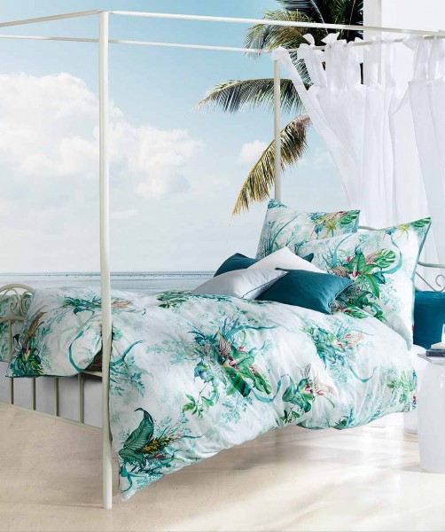 Moderne Mako Satin Bettwäsche mit floralem Muster und uni Wende von fleuresse bed art in Grün 240x22