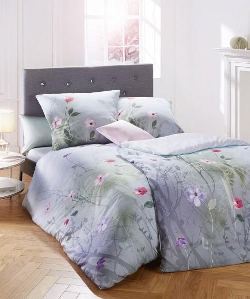Elegante Blumen Wende Bettwäsche von fleuresse bed art in Silber 200x220