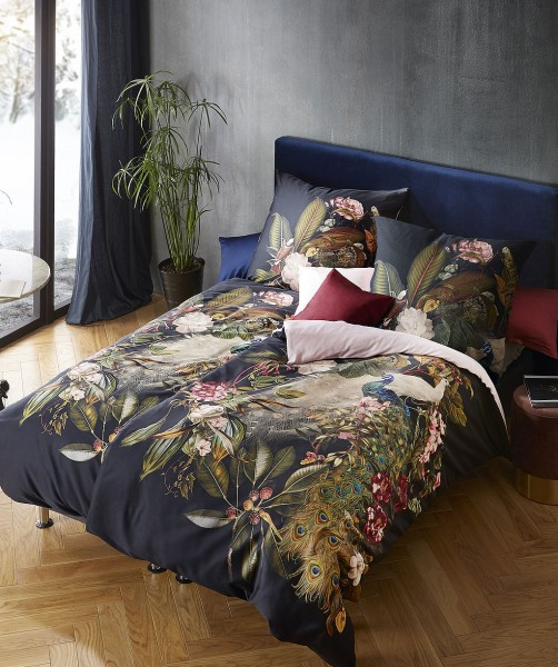 Prunkvolle Pfau Bettwäsche mit uni Wende von fleuresse bed art auf Schwarz 155x220
